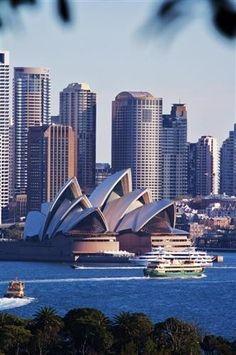 4f0e82d7fa8b686fdc1434716d132f3b--australia-travel-sydney-australia